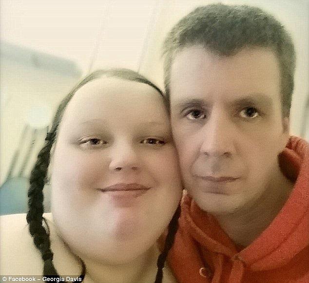 イギリスでトップデブの女性、ダイエットのために彼氏を振ったら大ニュースに(※画像)