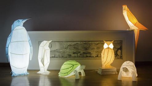 日本のおりがみ、海外で独自の発展を遂げていた!再生紙で作られた動物のランプの世界をみてみよう