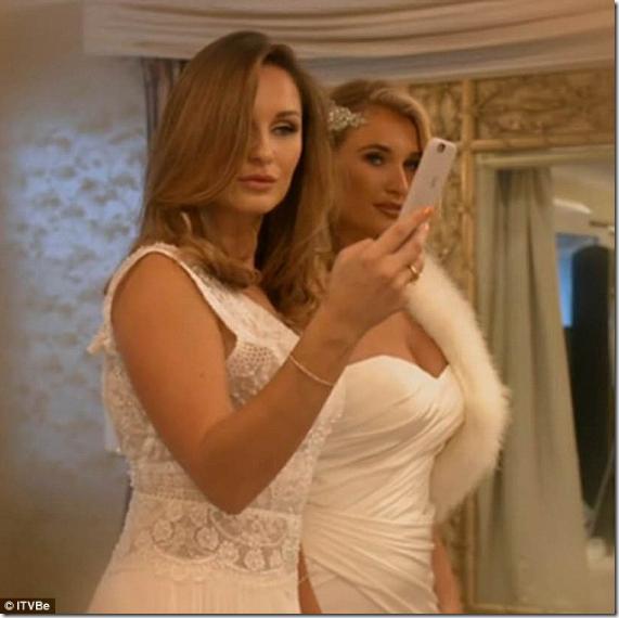プロポーズ前にウェディングドレスを披露して、彼氏に結婚を迫る女がいるらしい…