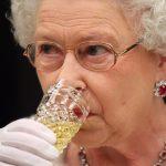 【画像あり】エリザベス女王の三食がこれ…。イギリス王室の意外な食事内容とは?