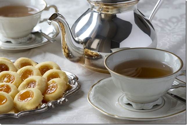 the-queen-starts-her-day-with-tea-and-biscuits